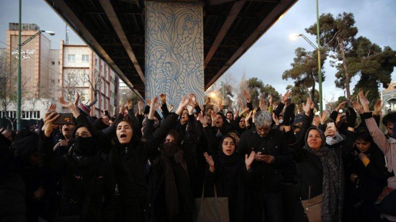 Trump capitalise sur la colère des Iraniens