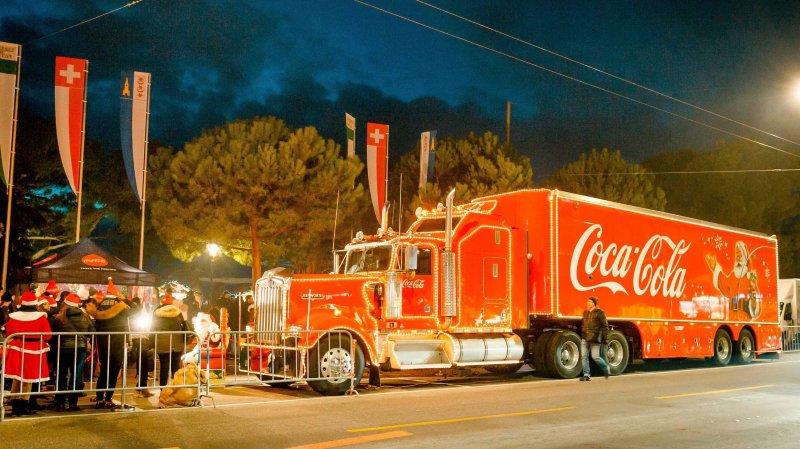 Le légendaire camion Coca-Cola, ici à Montreux, sera parqué aux Eplatures le jeudi 19 décembre.