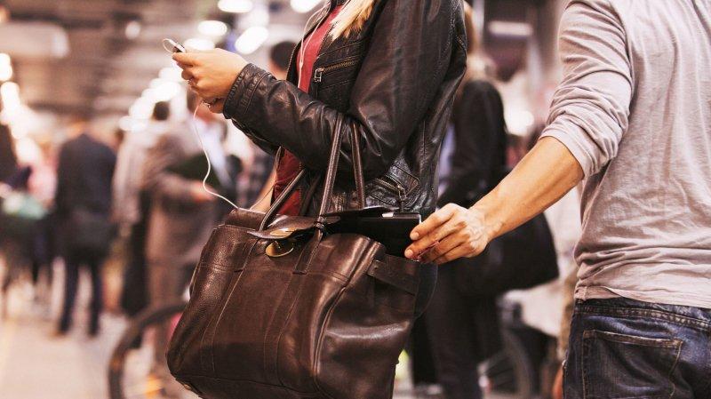 Gare aux pickpockets durant les fêtes de fin d'année.