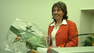 En 1999, Elisabeth Baume-Schneider est élue à la tête du Parlement jurassien