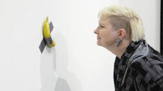 Une banane scotchée à un mur vendue 120'000 francs