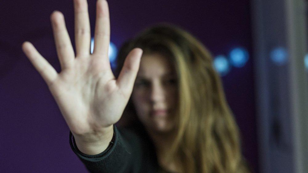 La police a dû intervenir à plusieurs reprises en raison des violences du prévenu à l'égard de son ex-compagne.