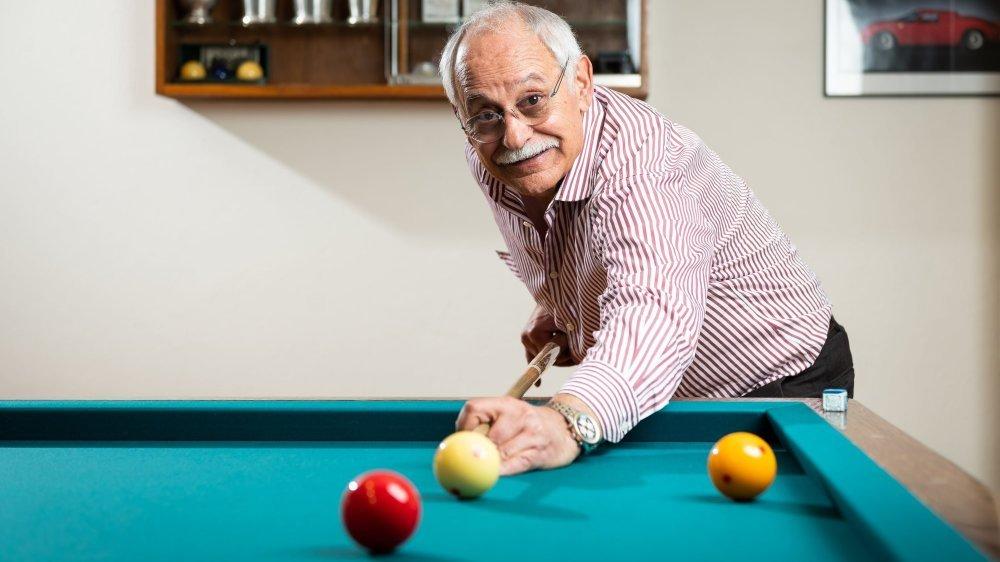 Arturo Falce, dernier président du Club des amateurs de billard de La Chaux-de-Fonds. Photo: Lucas Vuitel