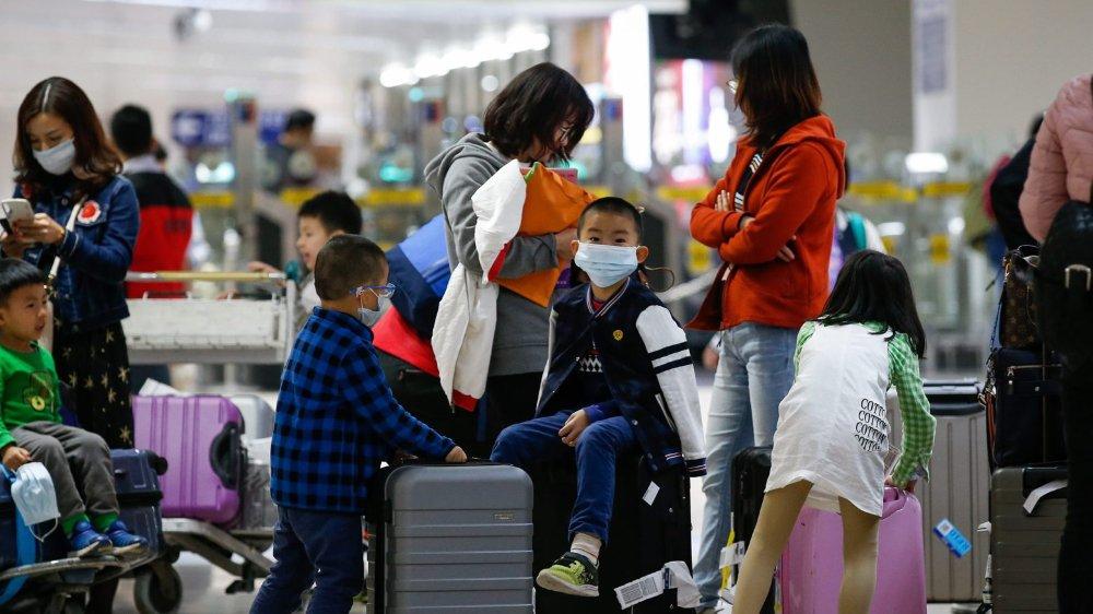 Avec l'approche du Nouvel An chinois et le déplacement de plusieurs millions de personnes, le virus pourrait se propager plus rapidement. Toutefois, en Suisse, on ne se prépare pas au pire. Les médecins sont informés et les autorités parées.