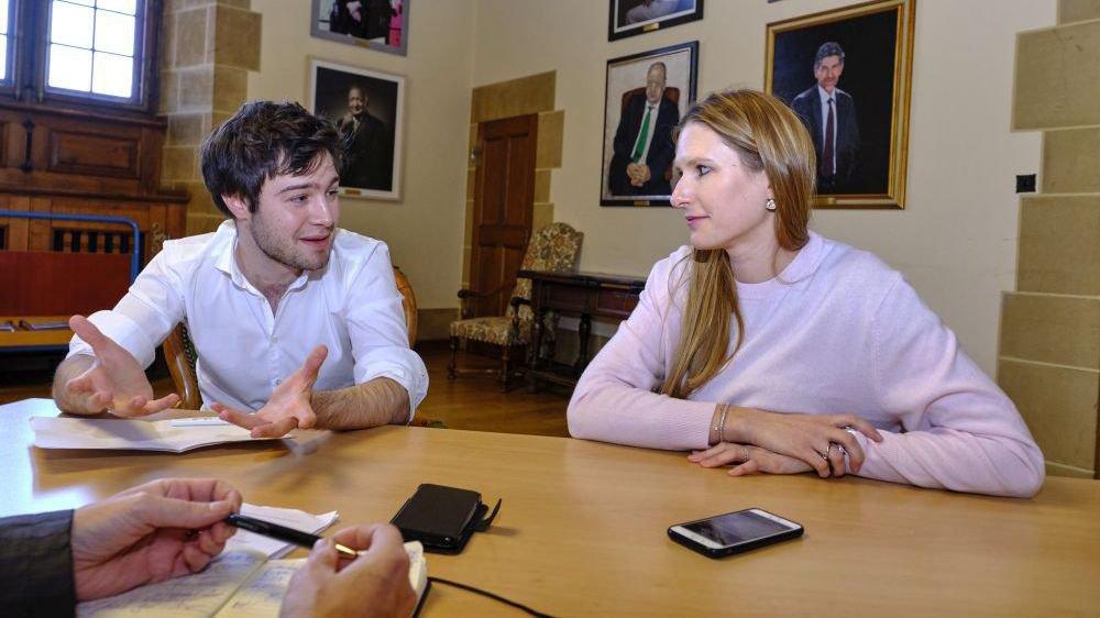 Antoine de Montmollin (PSN) et Béatrice Haeny (PLRN) se sont prêtés à un face-à-face sur le droit de vote à 16 ans sur demande.