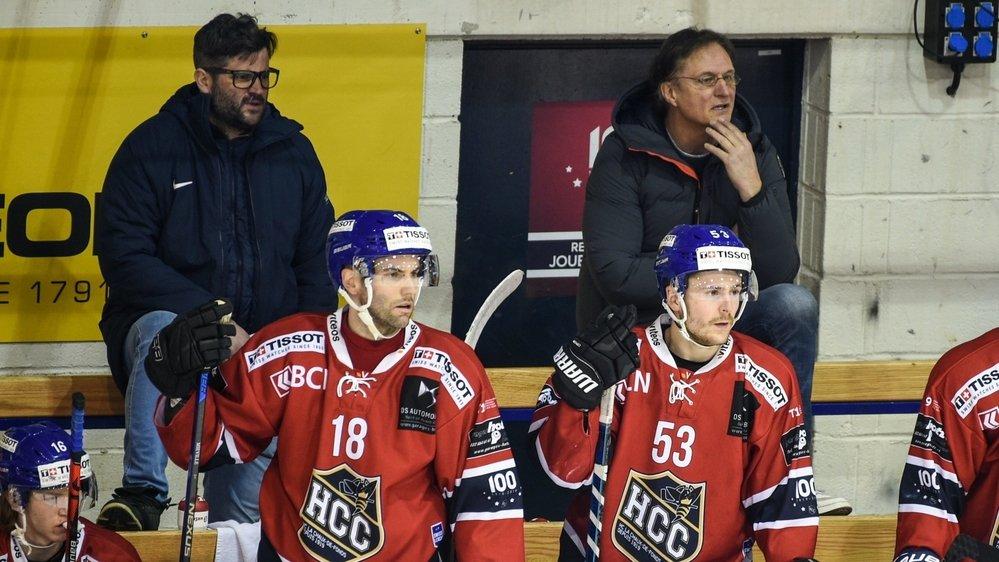 La présence d'Arno Del Curto (à droite) à côté de Loïc Burkhalter (à gauche) est bénéfique pour le HCC.