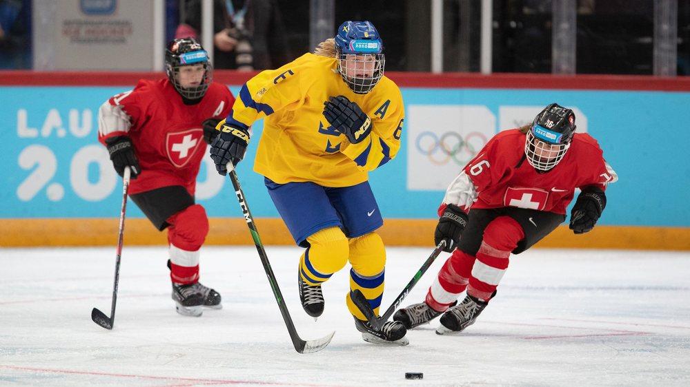 Jade Surdez (à droite) poursuit la Suédoise Tuva Kandell: sans succès pour les Suissesses.