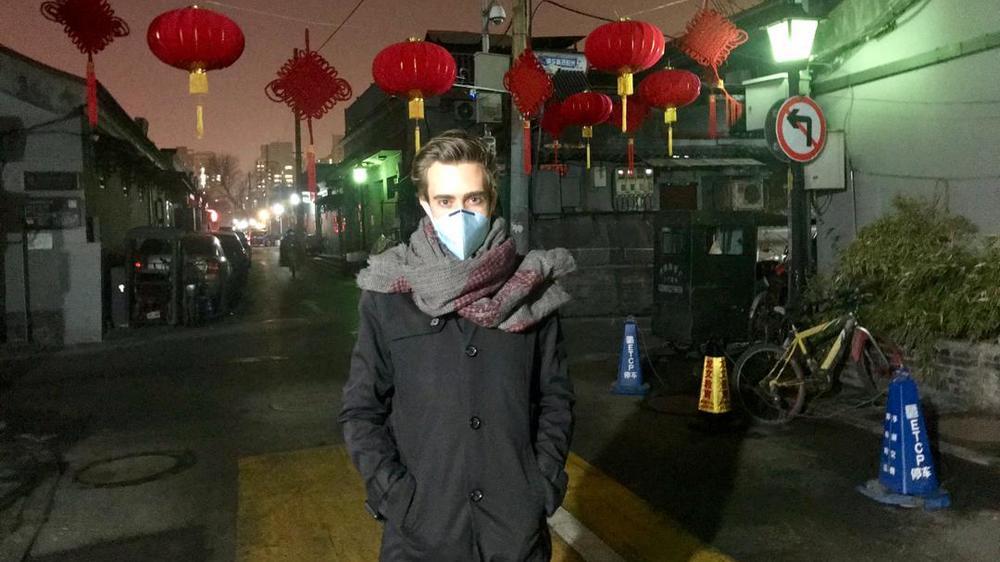 Romain Barrabas, outre le port d'un masque de protection, n'a pour ainsi dire pas changé ses habitudes à Pékin.