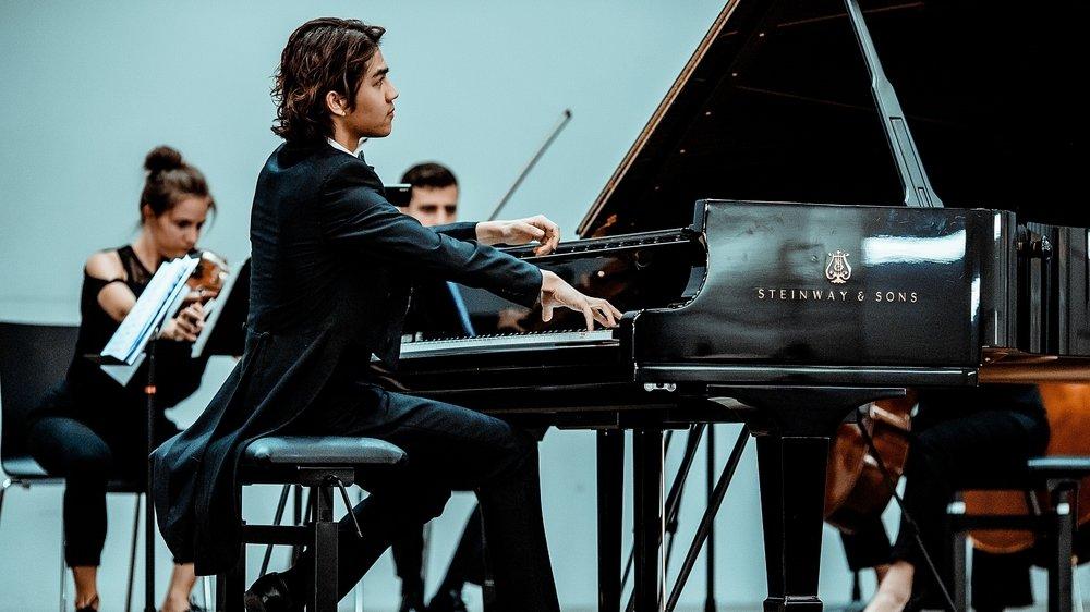 Lauréat du Concours Piano Val de Travers 2019, Yangyang Ruan interprétera la sonate en si mineur de Chopin.