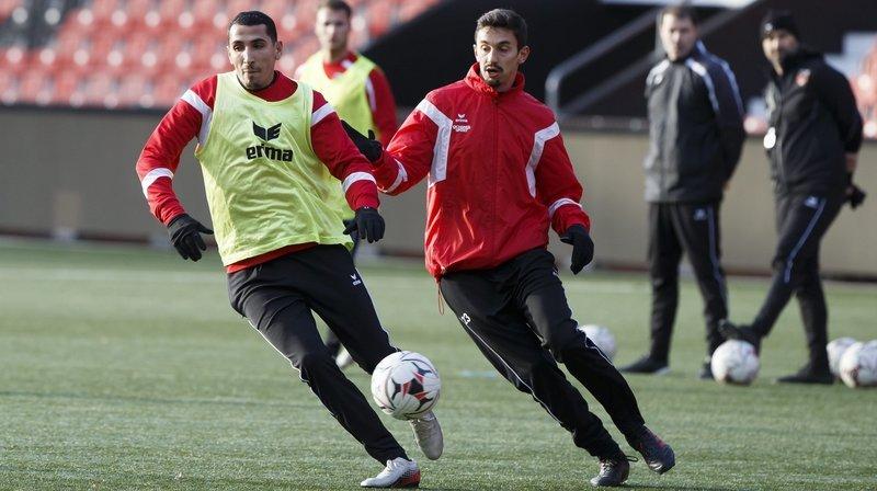 Yannis Tafer (à gauche) devrait débuter la rencontre à Lugano.