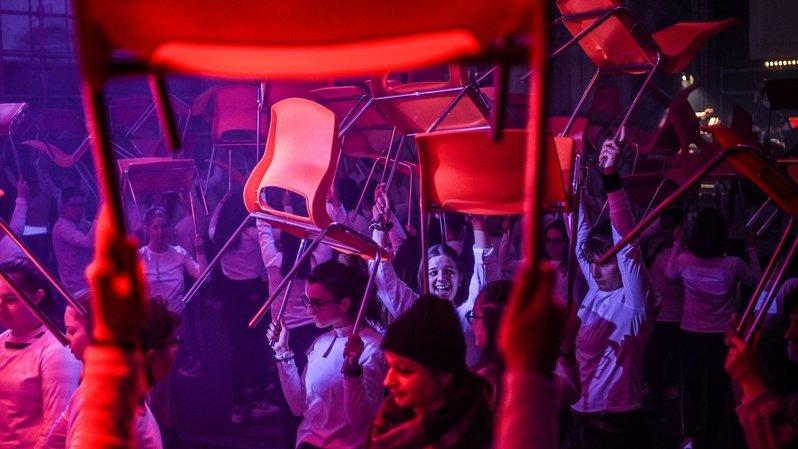"""""""Soulèvement"""" de 200 lycéens aux anciens abattoirs de La Chaux-de-Fonds"""