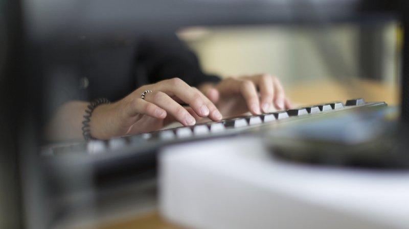 Travail: la qualité de l'emploi s'est améliorée dans plusieurs domaines en 10 ans