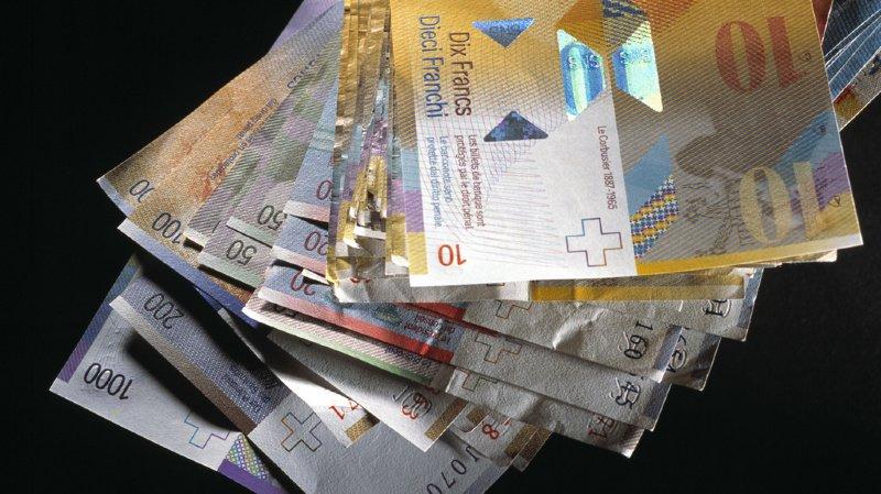 """La fortune des 1% les plus riches du monde """"correspond à plus du double des richesses cumulées"""" des 6,9 milliards les moins riches. (Illustrations)"""