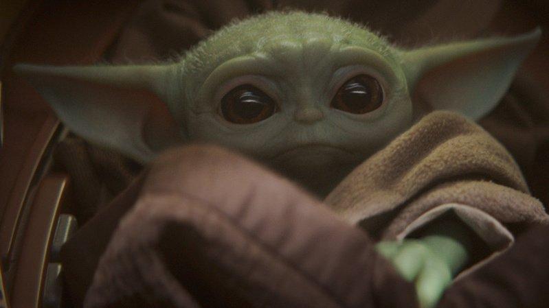 """La série TV """"The Mandalorian"""" et son (déjà culte) bébé Yoda font partie des productions proposées par Disney+."""