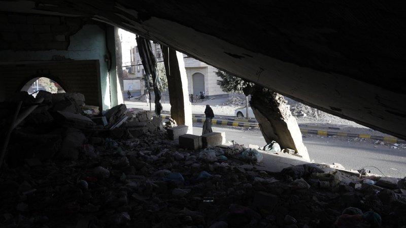 Yémen: 31 civils tués dans des raids aériens après le crash d'un avion de la coalition