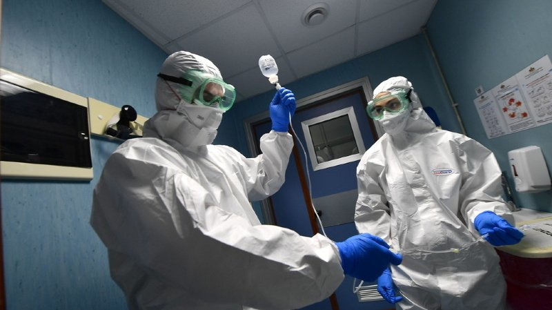 Coronavirus: le bilan de l'épidémie grimpe à 213 morts