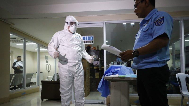 Plus de 300 morts, dont le premier hors de Chine — Coronavirus
