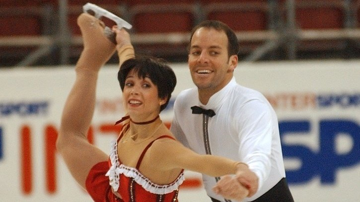 Sarah Abitbol et son partenaire Stéphane Bernadis lors du programme court des Championnats d'Europe 2002 à Lausanne.