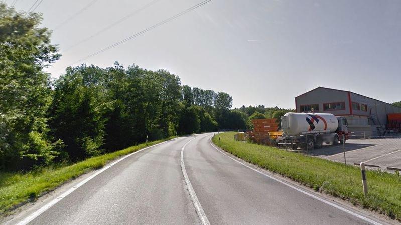La route cantonale entre Aclens et Bussigny, dans la zone du Moulin du Choc.
