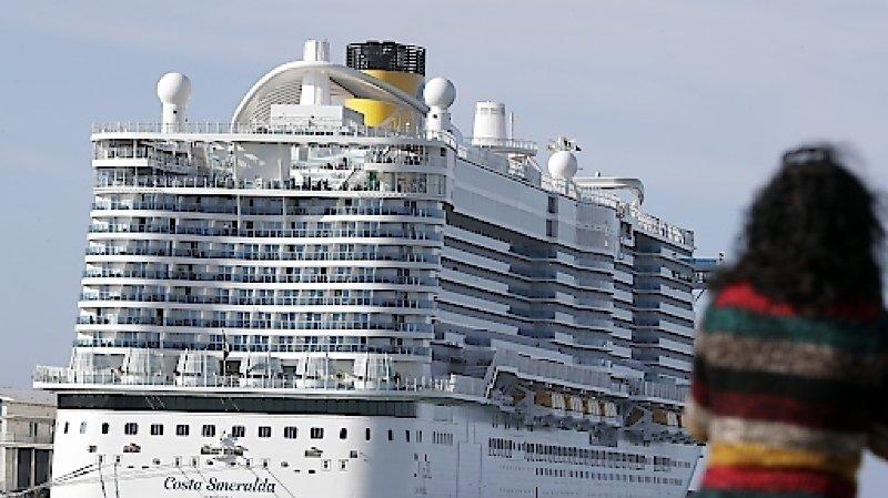 Coronavirus: les 7000 passagers bloqués, dont des Suisses, ont pu quitter le navire