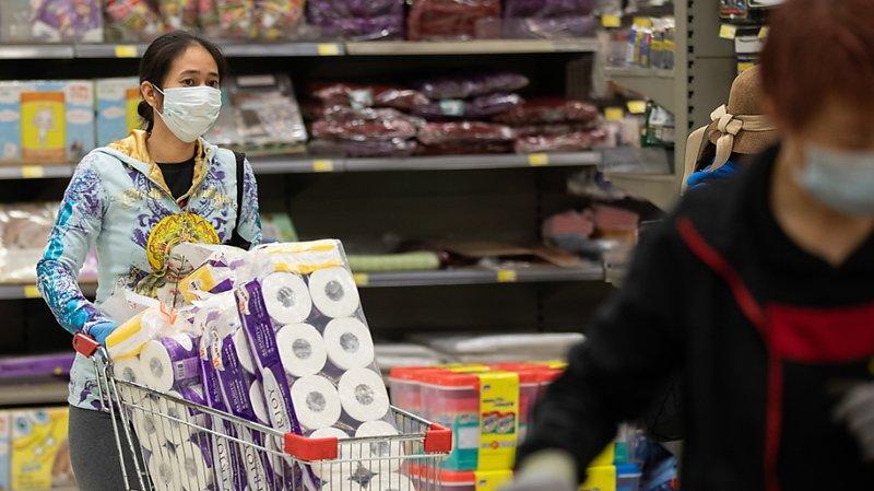 Coronavirus: le bilan grimpe à 717 morts en Chine, un Américain décède à Wuhan