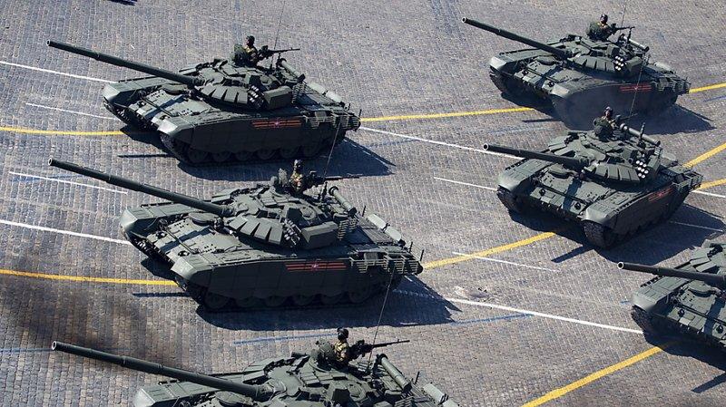 Des chars russes en «formation coeur» pour une demande en mariage