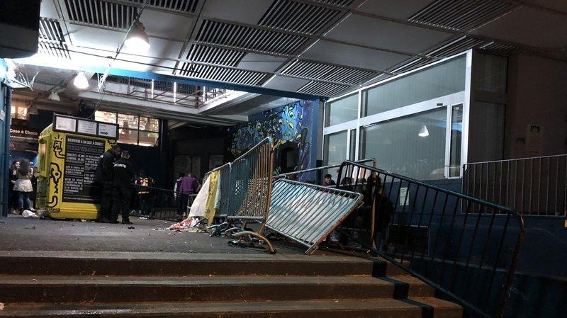 Neuchâtel: mouvement de foule devant la Case à chocs, plusieurs blessés légers