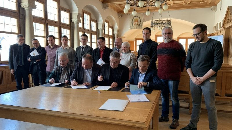 La Convention de fusion entre Le Locle et Les Brenets a été signée