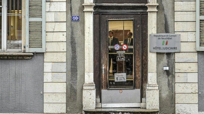 La Chaux-de-Fonds: condamné pour pornographie, Laurent Feuz conversait avec plusieurs mineurs
