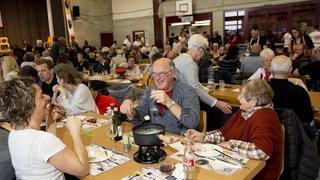 Chézard-Saint-Martin: manger du fromage pendant 12 heures et aider les jeunes