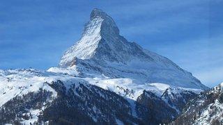 Valais: un alpiniste chute et se tue sur le Cervin