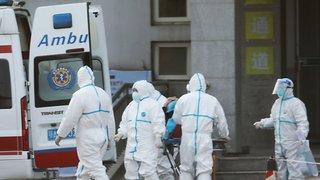 Chine: le bilan du coronavirus s'alourdit à 9 morts, le risque de mutation inquiète