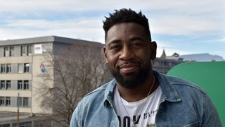 Christian Mukuna: «Mon premier cadeau de la Saint-Valentin, c'était simple mais sincère»