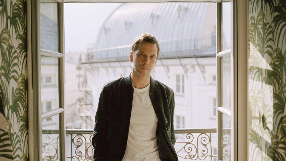 Pour Alex Beaupain, «un chanteur doit explorer de nouveaux territoires, tout en restant le même.»