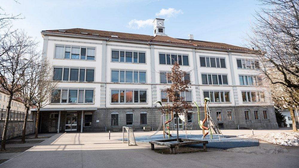 La rentrée de ce lundi était déserte au collège de la Promenade à La Chaux-de-Fonds.