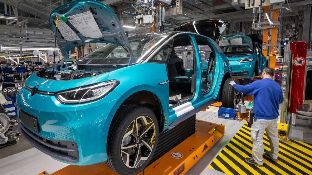 Volkswagen, comme d'autres constructeurs, suspend certaines de ses usines en raison de l'épidémie.