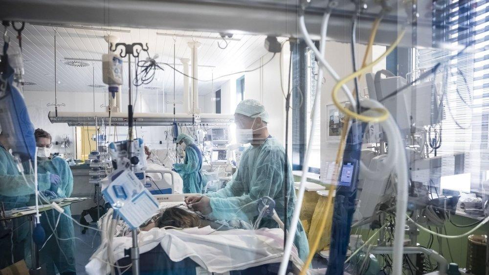 Les patients se battent pour survivre, les soignants se battent pour sauver des vies.