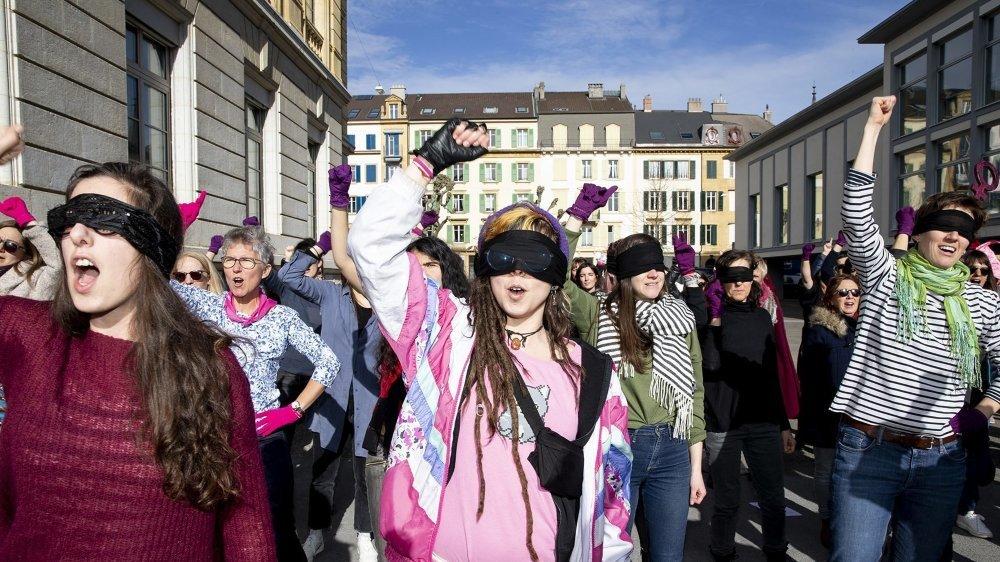 """Les Neuchâteloises ont interprété une version en français de """"Un violador en tu camino"""", une performance imaginée par des militantes chiliennes."""