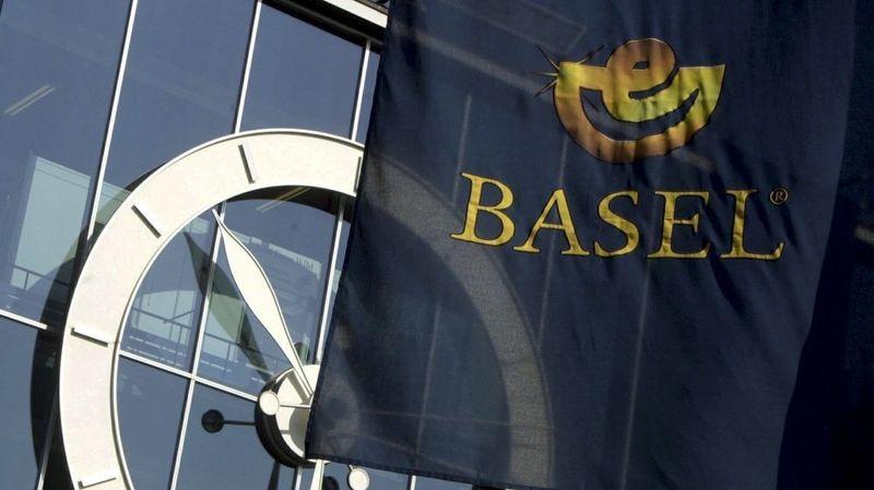 En 2000, l'optimisme est de mise à Bâle pour le rendez-vous mondial des horlogers et des bijoutiers.