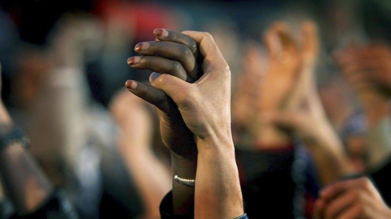 La Sacr s'inscrit dans un mouvement international commémorant, chaque 21 mars, la tragédie survenue en 1960 en Afrique du Sud. Ce jour-là, la police tuait 69 personnes manifestant contre l'apartheid.