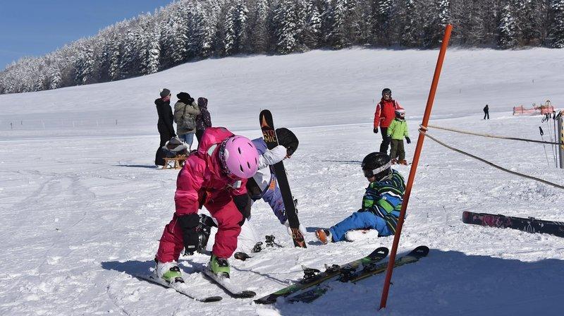 Plusieurs stations de ski sont partiellement ouvertes dans l'Arc jurassien