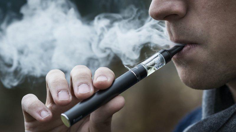 Neuchâtel: les cigarettes électroniques dans les lieux publics fermés, c'est terminé