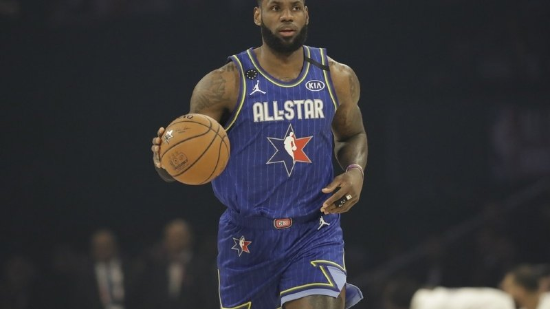 Basket: en quarantaine, LeBron James se compare à Tom Hanks