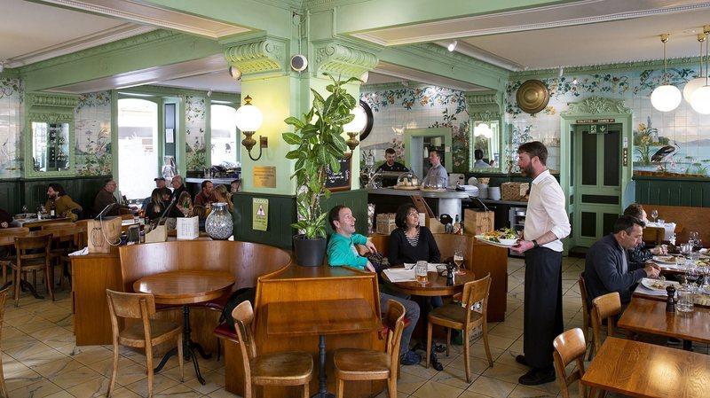 Coronavirus: le dernier week-end des cafés et des restaurants