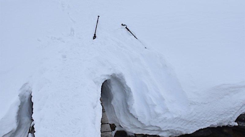 Accident de montagne: chute mortelle en raquettes aux Grisons