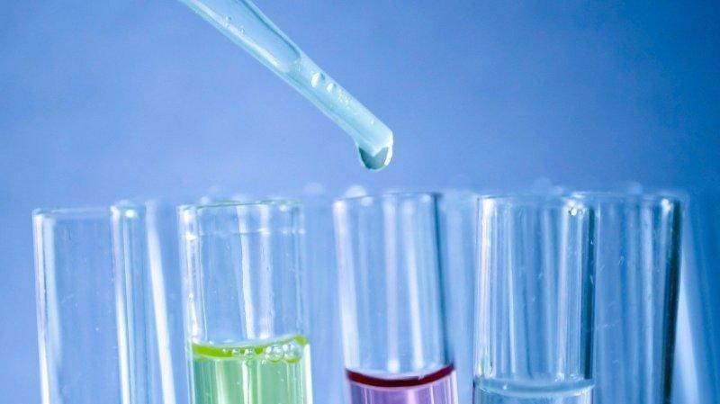 Coronavirus: quatre traitements sont à l'essai en Europe