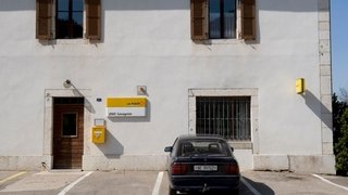 Val-de-Ruz: fermeture de l'office postal de Savagnier contestée par la commune