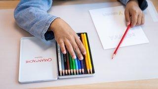 Le travail imposé aux élèves du canton de Neuchâtel se limite à des notions déjà vues en classe