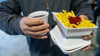 Les manifestations neuchâteloises doivent bannir le plastique à usage unique