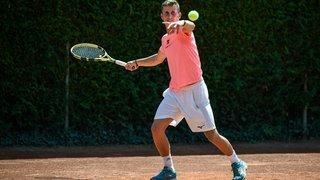 Le tennisman Damien Wenger prend son mal en patience